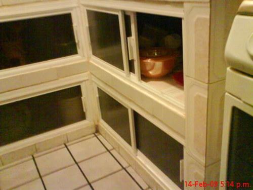Aluminio en la cocina vidrios y aluminio yireth - Puertas corredizas para cocina ...